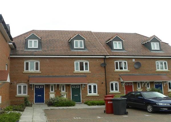 Thumbnail Town house to rent in Huxley Close, Wexham, Slough