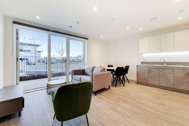 Thumbnail Flat to rent in Fresh Wharf Road, Barking, Essex