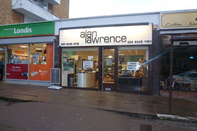 Office to let in 24, Crescent West, Enfield