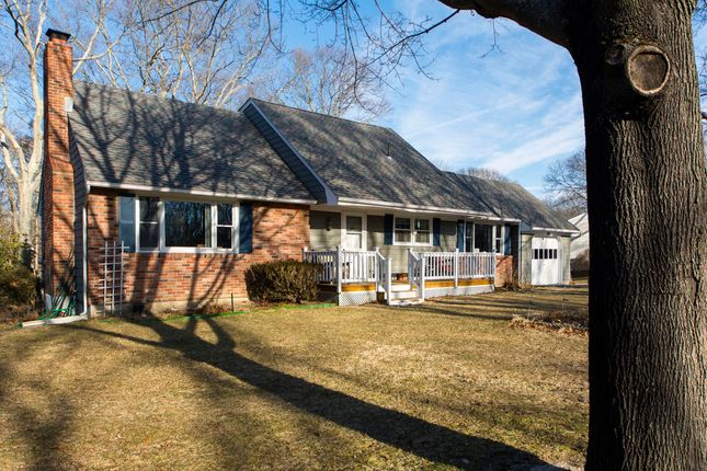 Country house for sale in 3 Beechwood Dr, Southampton, Ny 11968, Usa