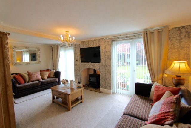 Thumbnail Detached house for sale in Bramcote Lane, Beeston