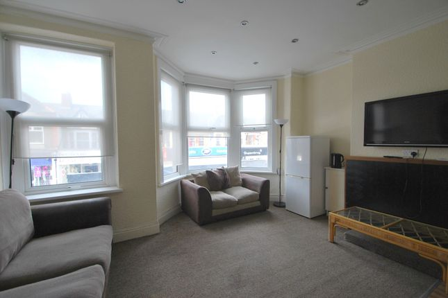 Thumbnail Duplex to rent in Albany Road, Cardiff