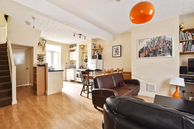 Thumbnail Terraced house to rent in Palmers Road, Bethnal Green