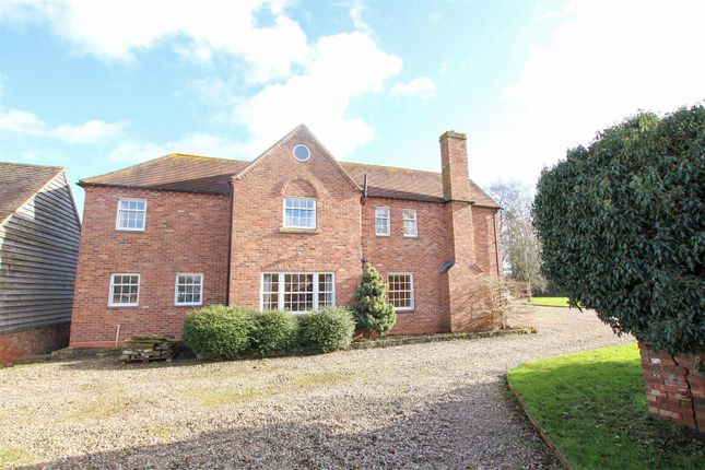 Thumbnail Country house for sale in Gloucester Road, Upton-Upon-Severn, Worcester