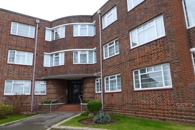 Thumbnail Flat to rent in Lansdowne Road, Worthing