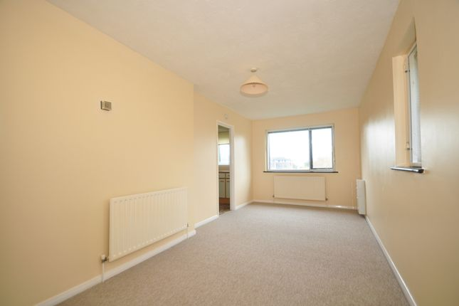 Thumbnail Flat to rent in Spences Lane, Lewes