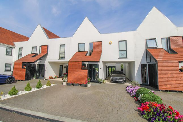 Thumbnail Link-detached house for sale in Braggowens Ley, Newhall, Harlow