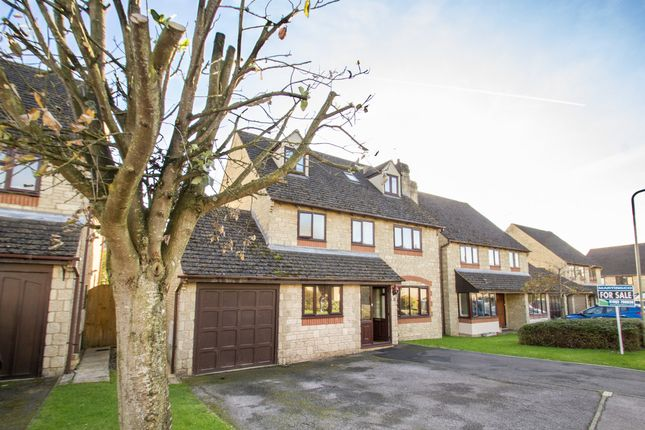 Thumbnail Detached house for sale in Sherbourne Road, Witney