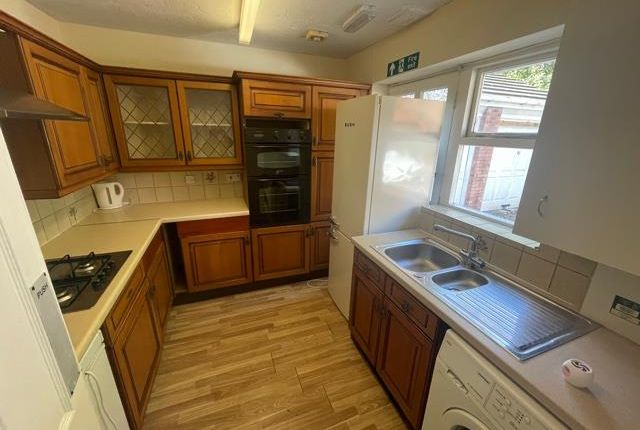 3 bed bungalow to rent in 82 Humphrey Middlemore Drive, Harborne, Birmingham B17