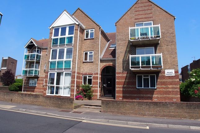 Thumbnail Flat to rent in North Road, Lancing