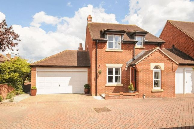 Thumbnail Detached house for sale in Cotton Close, Grove, Wantage
