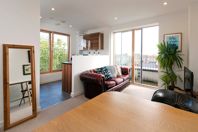 1 bed flat for sale in 93 Barretts Grove, London