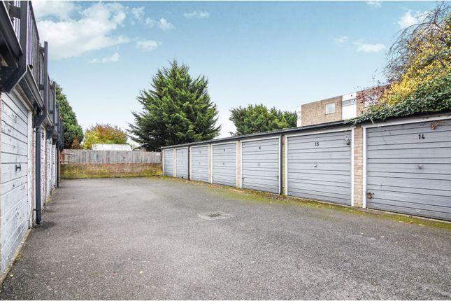 Garage En Bloc of Winston Close, Romford RM7