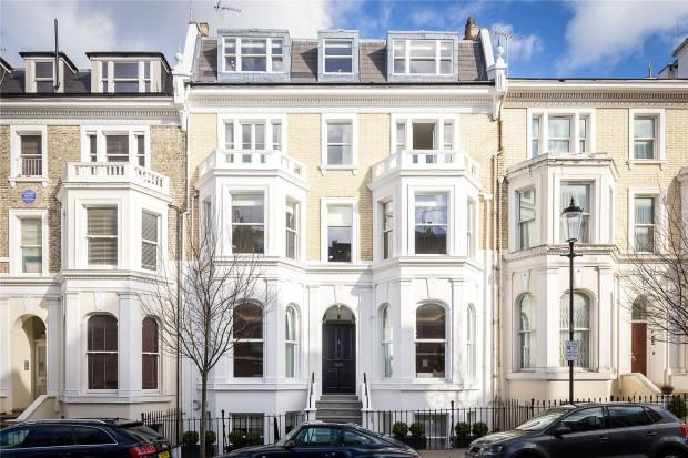 Thumbnail Town house to rent in Campden Hill Gardens, Holland Park
