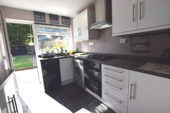 Thumbnail Terraced house for sale in Little Brays, Harlow
