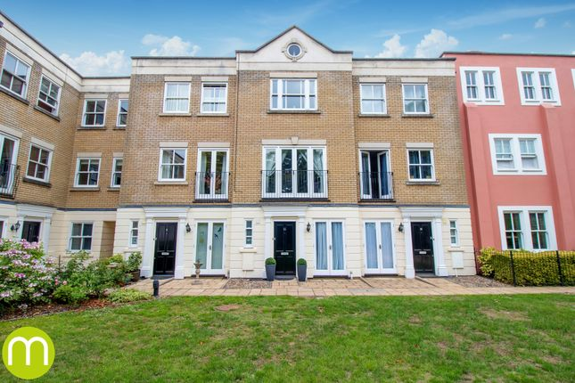 3 bed terraced house to rent in East Hill, Colchester CO1