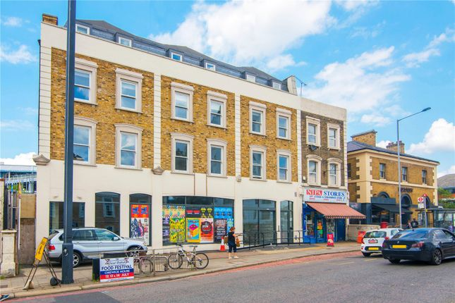 Thumbnail Flat to rent in Brentford, London, UK