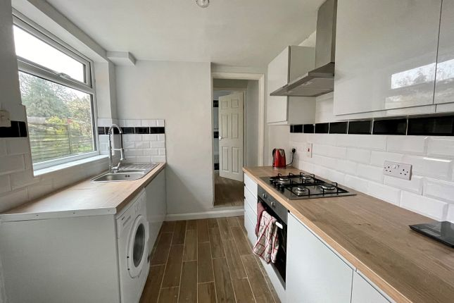 3 bed semi-detached house to rent in Bramford Lane, Ipswich IP1