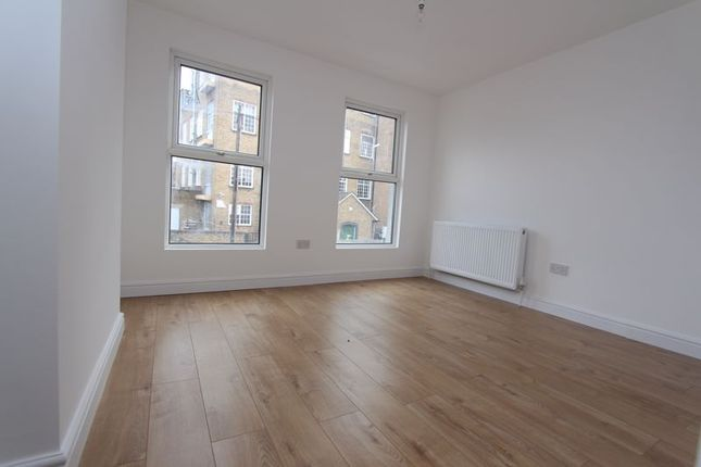 3 bed terraced house to rent in Reform Row, London N17