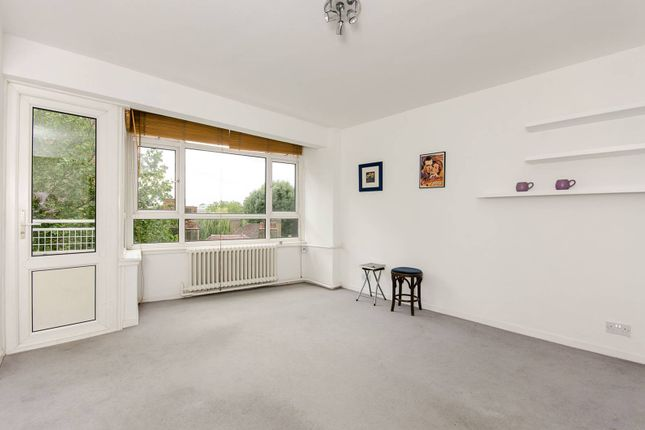 2 bed flat to rent in Cremorne Estate, Chelsea