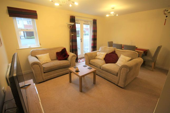 Thumbnail Flat to rent in Clarendon Gardens, Bromley Cross, Bolton, Lancs, .