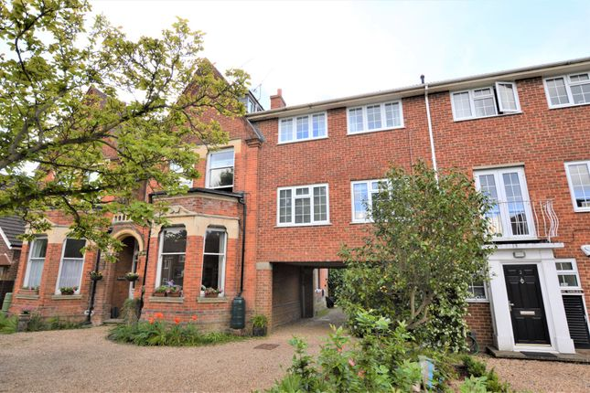 1 bed flat to rent in The Gables, Mount Hermon Road, Hook Heath, Woking