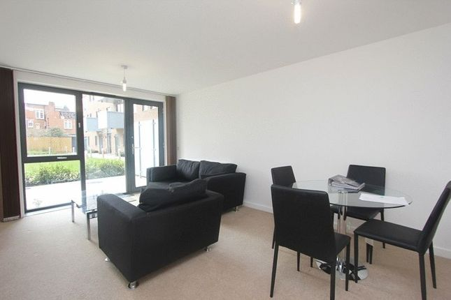 2 bed flat to rent in Moseley Lodge, Langdon Park