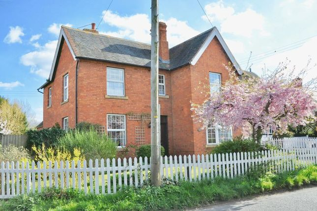 Thumbnail Detached house for sale in High Street, Honeybourne, Evesham