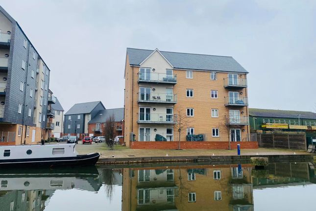 Thumbnail Flat to rent in Cressy Quay, Chelmsford