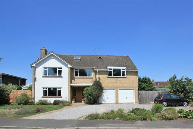 Thumbnail Detached house for sale in Oak Drive, Highworth, Swindon