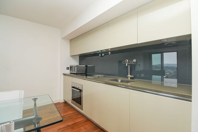 Kitchen of 22nd Floor, City Lofts, 7 St Pauls Square S1