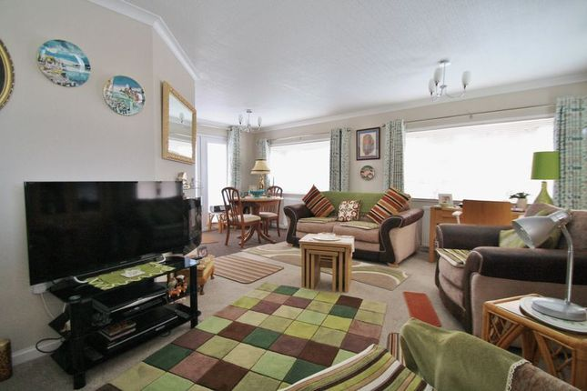 Thumbnail Mobile/park home for sale in Green Road, Shillingford Hill, Wallingford