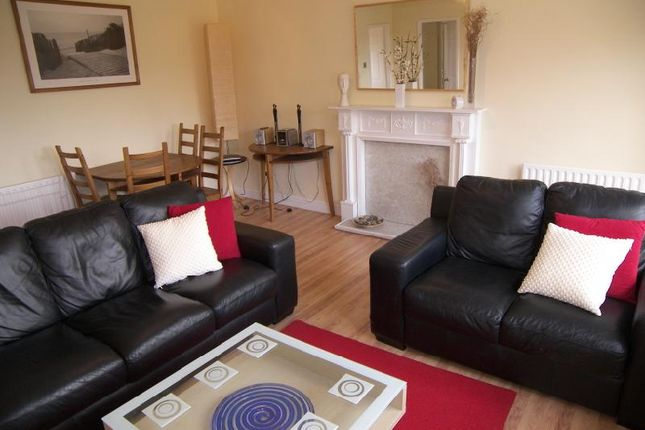 Thumbnail Flat to rent in Alwoodley Court, Alwoodley, Leeds, West Yorkshire