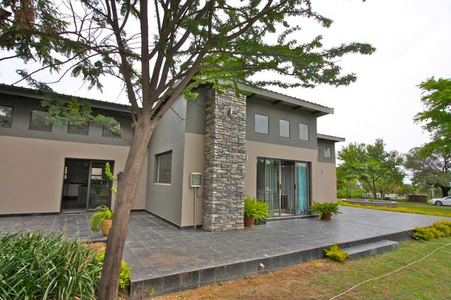 Thumbnail Country house for sale in Lipizzaner Road, Beaulieu, Midrand, Gauteng, South Africa