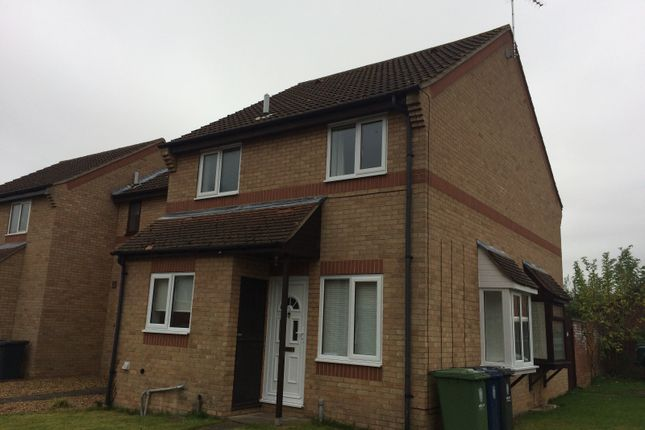 Thumbnail End terrace house to rent in The Spinney, Bar Hill, Cambridge