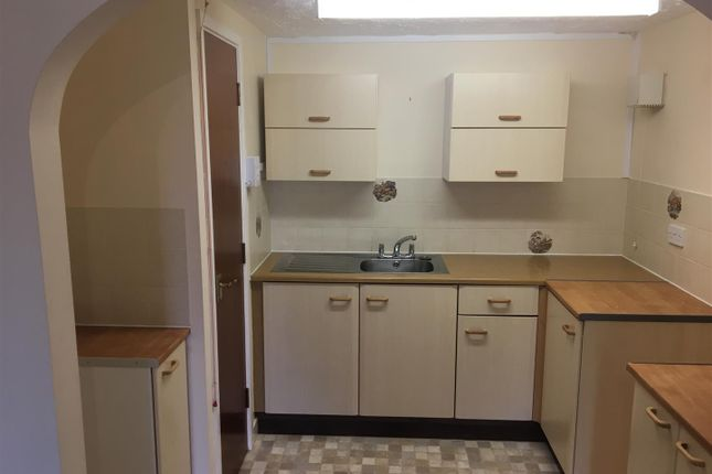 Flat to rent in Swonnells Walk, Lowestoft