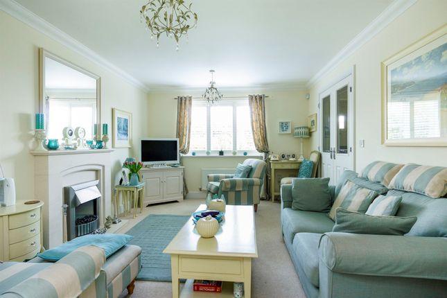 3 bed terraced house for sale in Stapleford Court, Stalbridge, Sturminster Newton