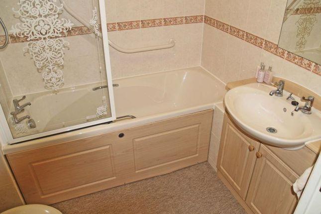 Bathroom of Collier Court, Grays RM16