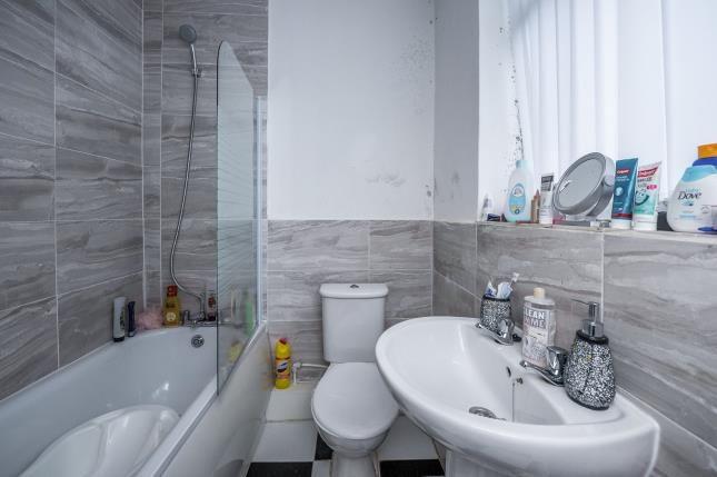 Bathroom of Gloucester Road North, Liverpool, Merseyside L6