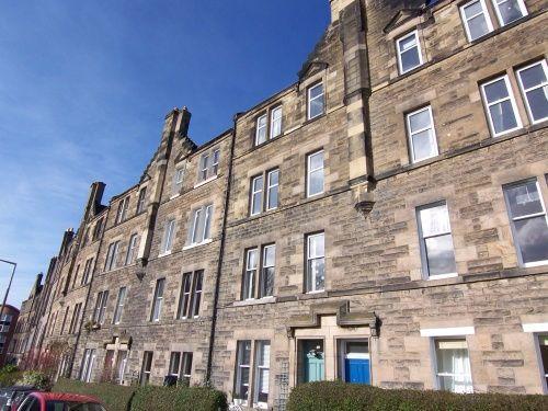Thumbnail Flat to rent in Royal Park Terrace, Meadowbank, Edinburgh EH8,