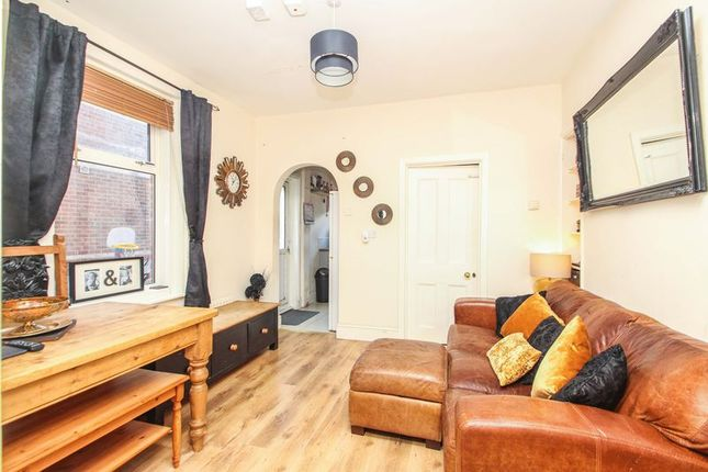 2 bed flat to rent in Stanfield Road, Winton, Bournemouth