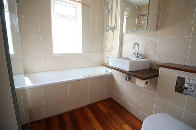 Bathroom of Hopefield Way, Rothwell, Leeds LS26