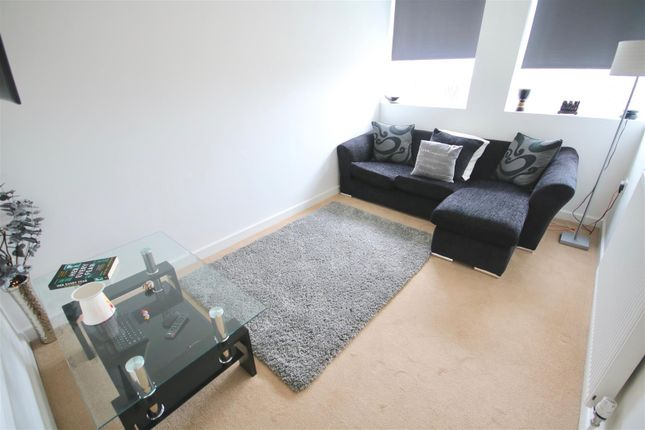 Thumbnail Flat to rent in Kingston Crescent, Portsmouth
