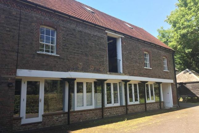 Office to let in West Barn, Tonbridge