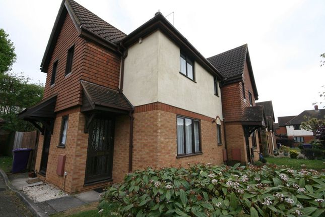 Thumbnail Property to rent in Tabbs Close, Letchworth Garden City