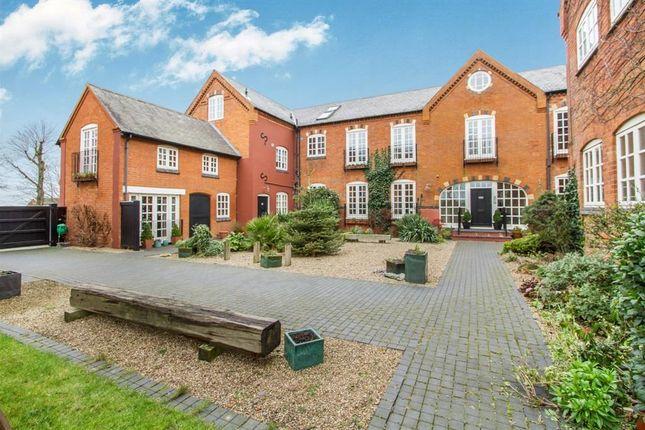 Thumbnail Flat to rent in Higham Lane, Stoke Golding, Nuneaton