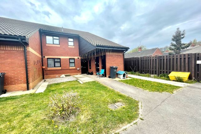 Thumbnail Flat to rent in Hanover Court, Worsbrough, Barnsley