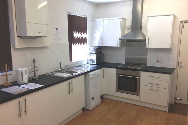 Thumbnail Shared accommodation to rent in Great Cheetham Street West, Salford