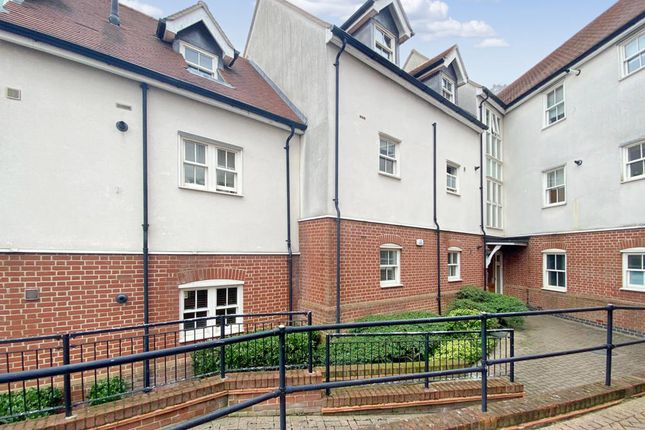 Thumbnail Flat to rent in William Hunter Way, Brentwood