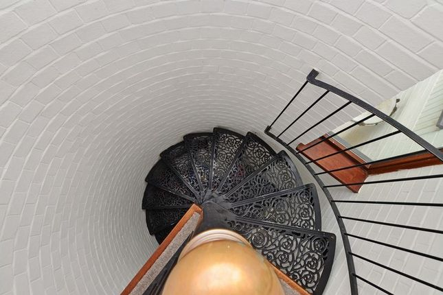 Spiral Staircase To 1st Floor